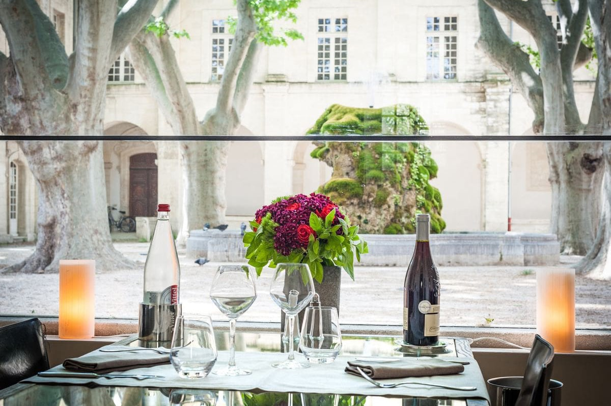 Restaurant La Table du Saint louis Cloitre Saint Louis Avignon Hotel 1 min